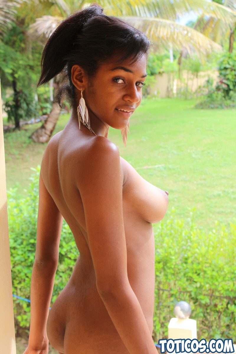 sexy nude ebony girls squirting and wet