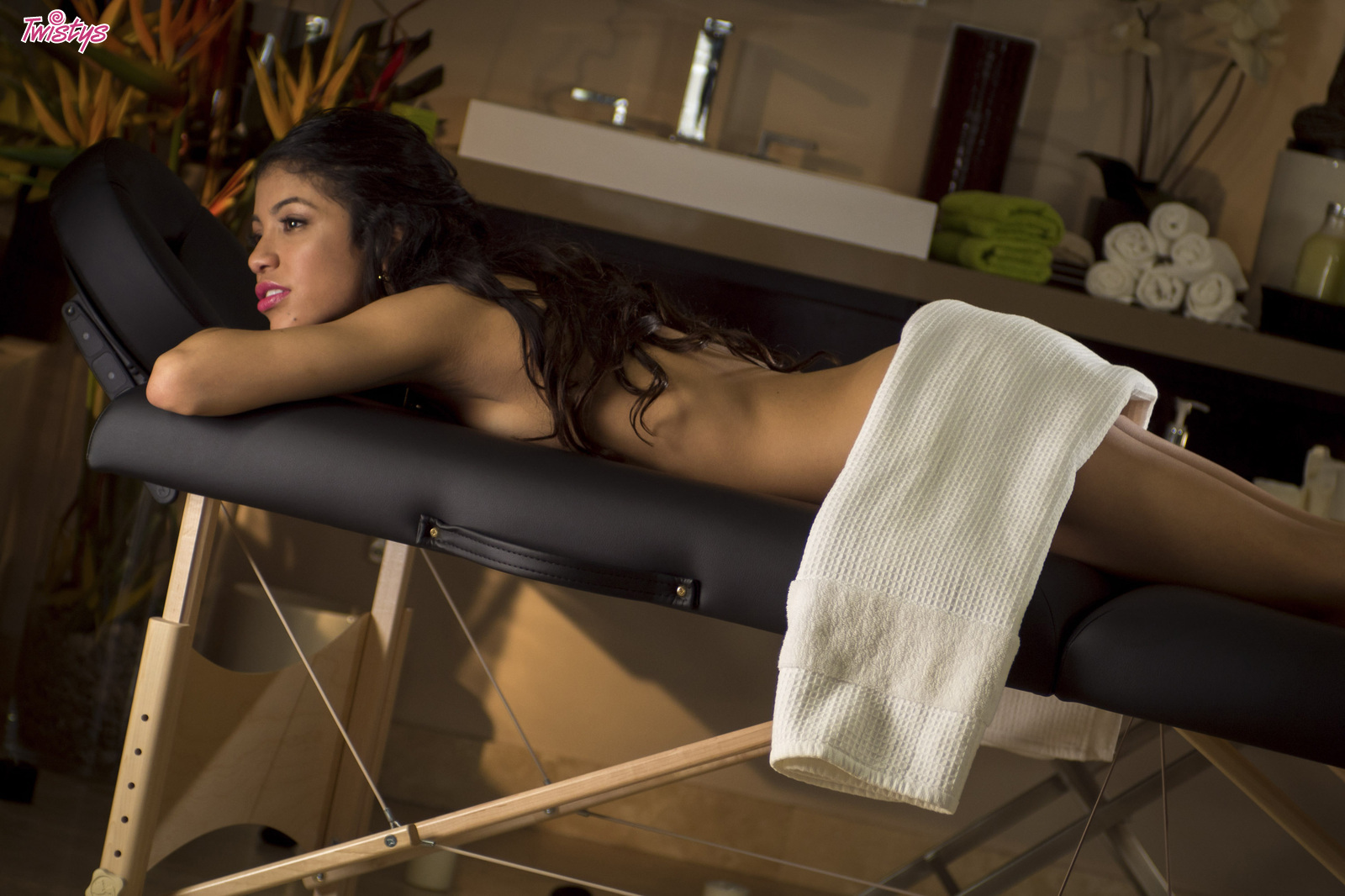 ruan thai massage and spa latex strapon