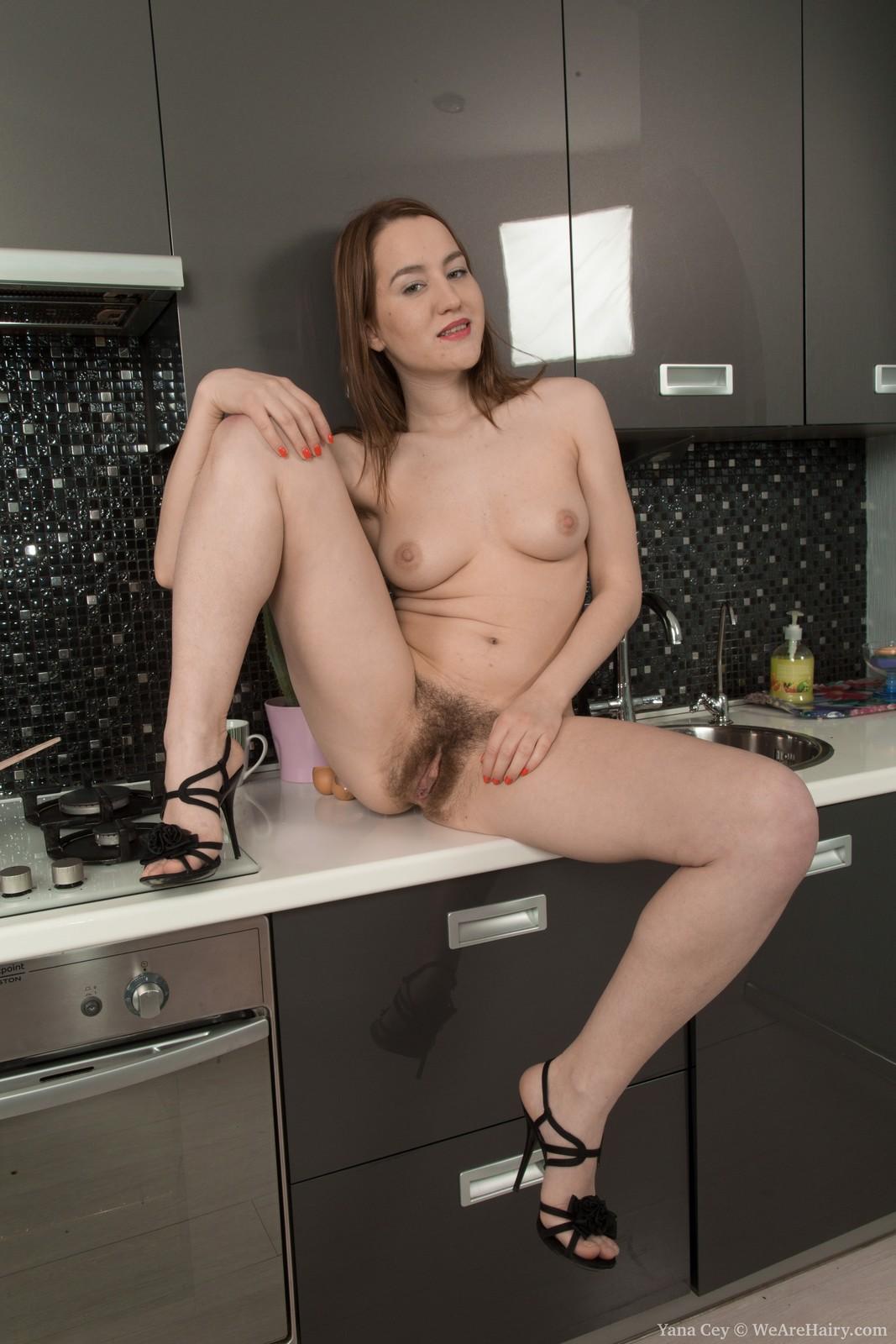 naked beautiful plus sized women